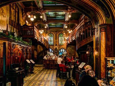 Poza The Beer Cart Restaurant (Carul cu